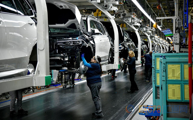 领峰环球-美国汽车工厂