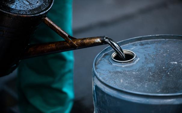 炒原油到底是怎么回事呢?